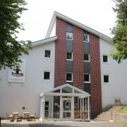 Unser schönes Haus am Brunnen, es bietet Platz für 82 Personen in Vollverpflegung.