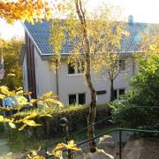 Unser schönes Haus am Brunnen, es bietet Platz für 82 Personen in Vollverpflegung